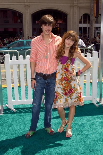 Bella Thorne Cats and Dogs Premiere Gorgeous July 26 2010 453 pm