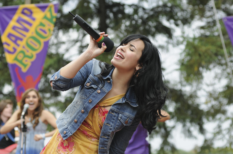 Demi Lovato & Alys...